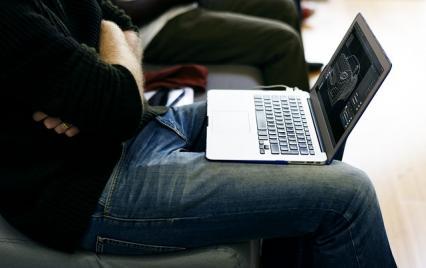 Zdjęcie główne #144 - Chłodzenie to podstawa! Jak dbać o układ chłodzenia w laptopie?